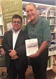 Cmte. Paulo Licati e o jornalista Claudio Lucchesi
